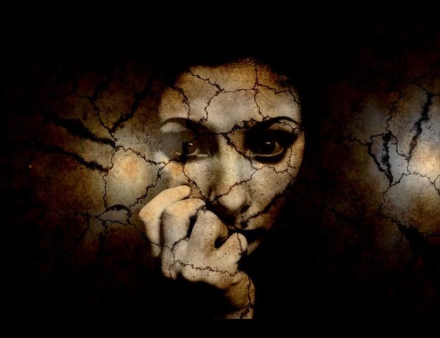 Regione Lombardia per le donne vittime di violenza: un passo avanti e due indietro