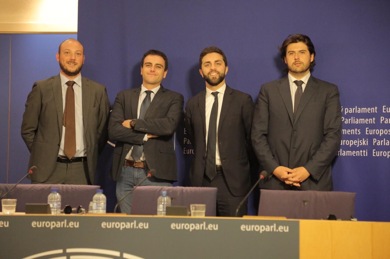 M5S Lombardia a Bruxelles: si possono usare i fondi europei per il #RedditoDiCittadinanza