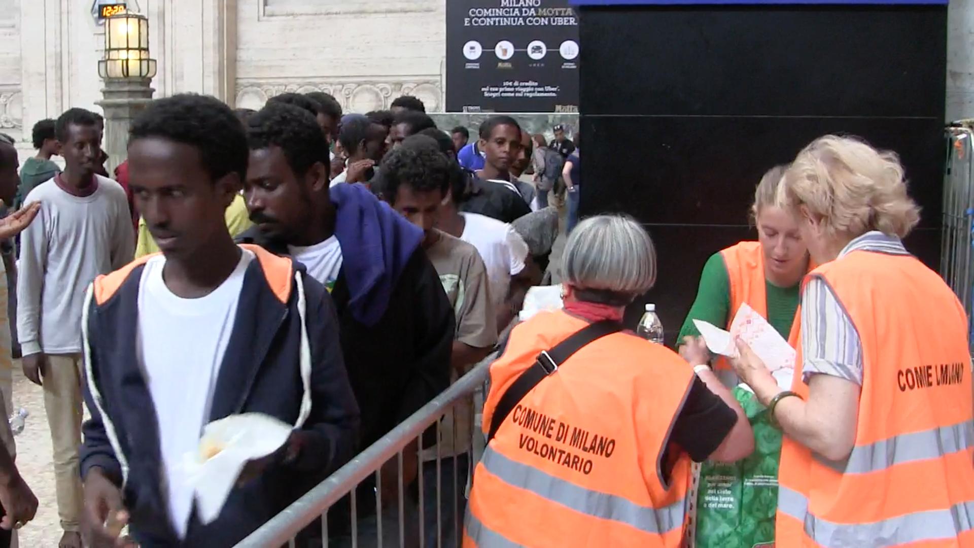 Profughi: il ricatto della Lega agli albergatori lombardi