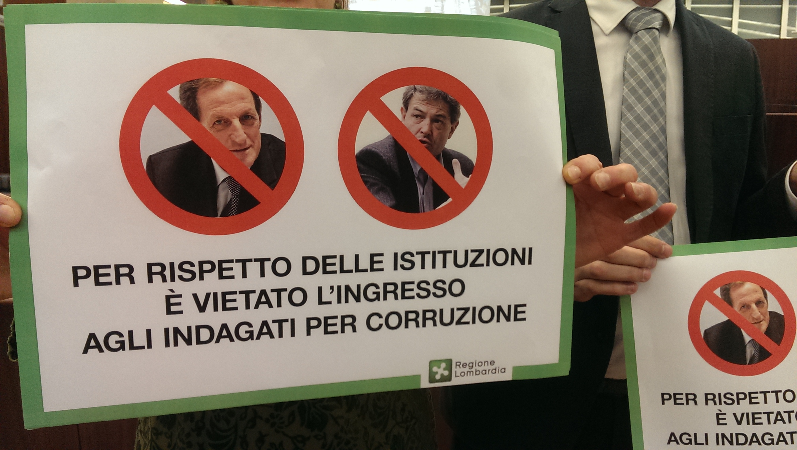 Mantovani non è degno di sedere in Consiglio Regionale