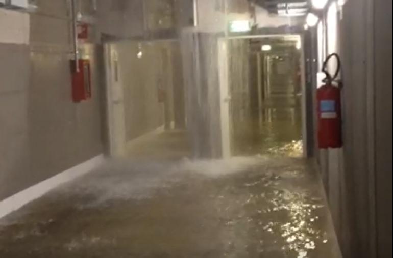 L'Ospedale di Bergamo fa acqua da tutte le parti, come la Sanità di Maroni.