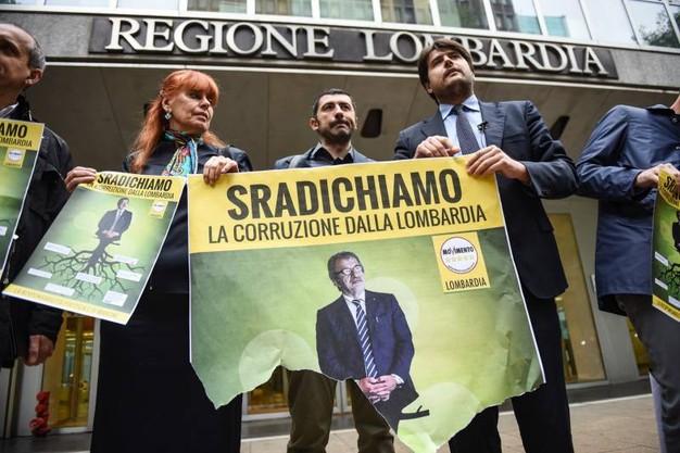 Corruzione in Lombardia: la responsabilità politica è di Maroni.