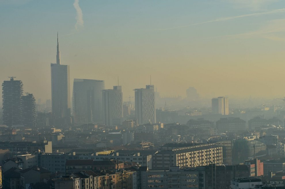 Smog. 35 giorni oltre i limiti, investire subito in trasporto pubblico