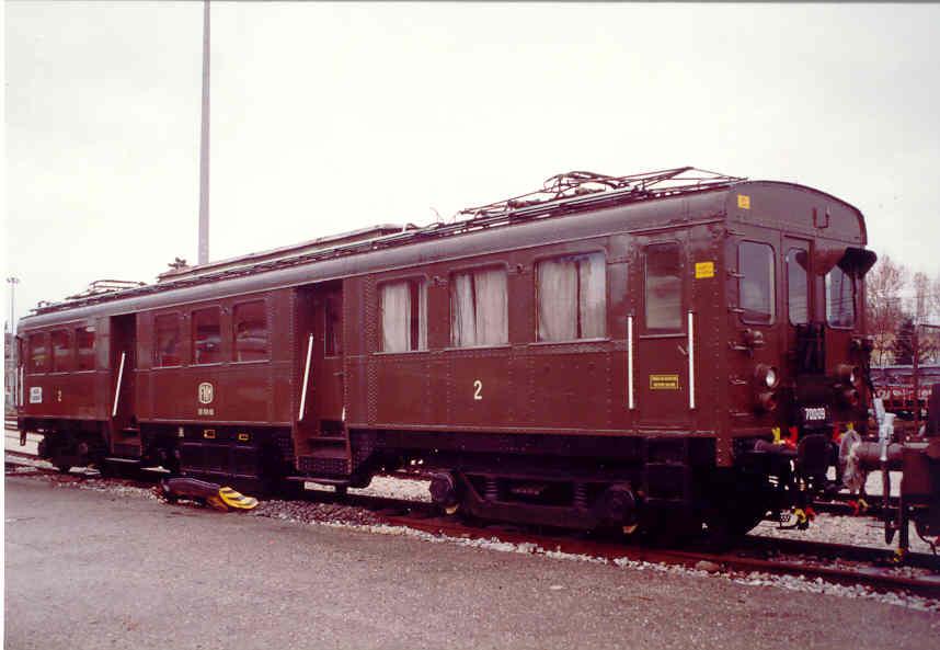Fermare la demolizione dei treni storici e rilanciare il turismo