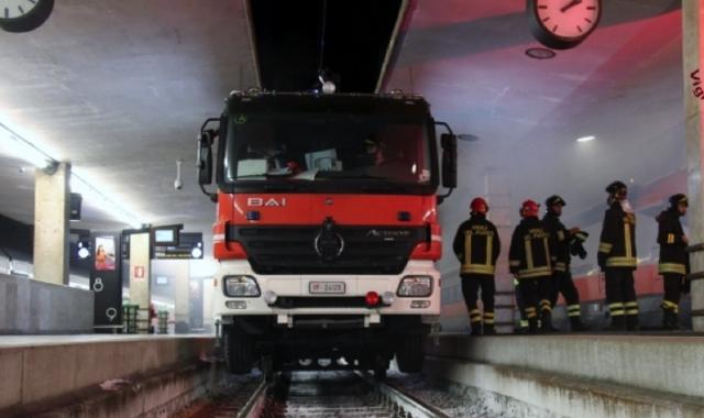 Luino-Gallarate. Servizio antincendio: del mezzo bimodale ancora non c'è traccia