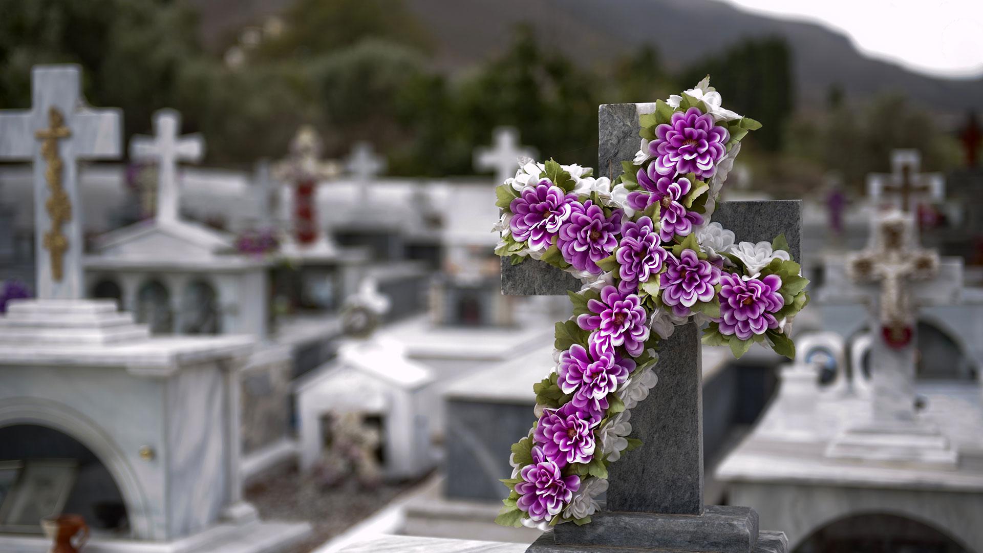"""Impugnata la legge sui servizi funerari: """"Centro-destra incapace di fare leggi"""""""
