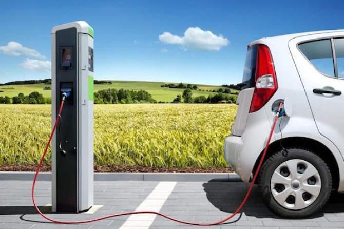 Rete Carburanti, doppio sì a colonnine di ricarica veicoli elettrici