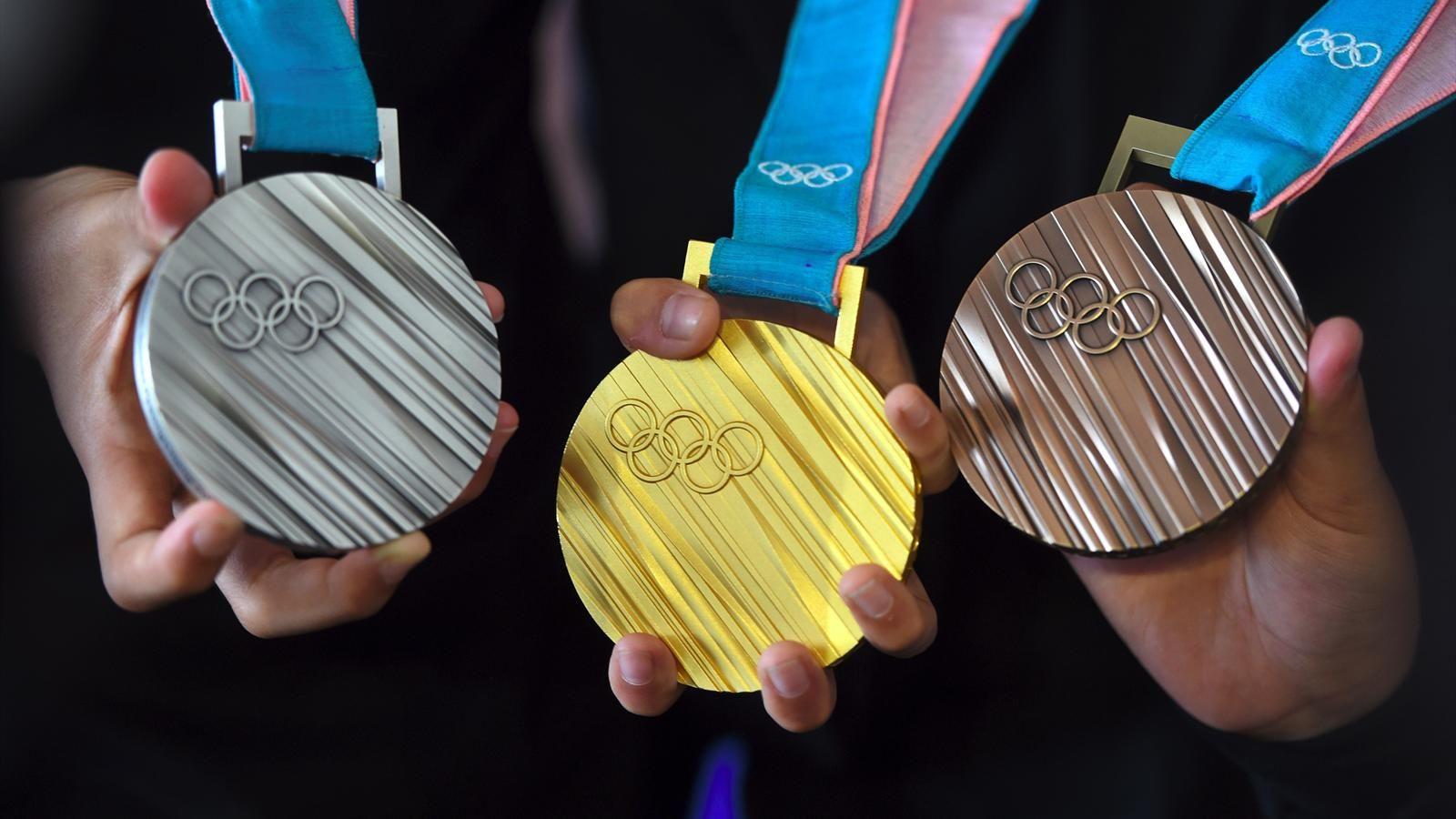 Olimpiadi Milano-Cortina 2026, sì alle medaglie da rifiuti elettronici.