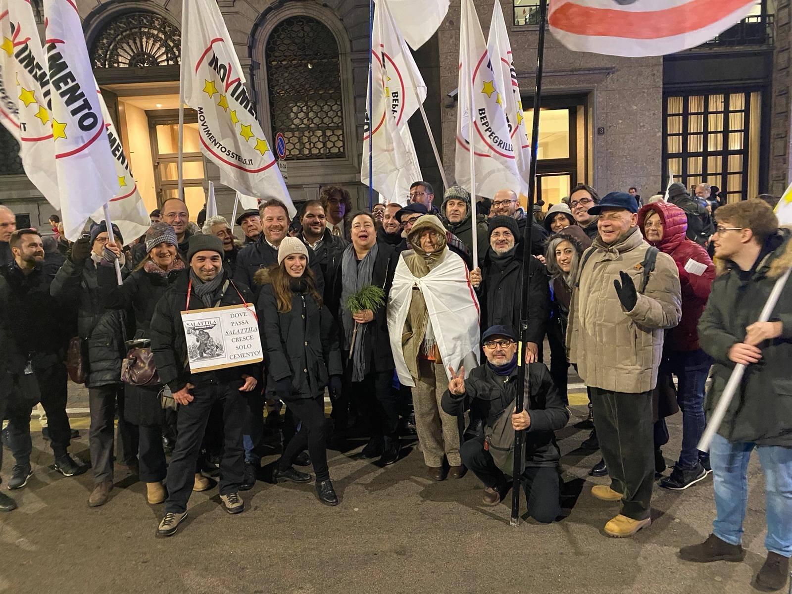Via Bassini –  dopo il bliz notturno,un corte sotto al comune di Milano